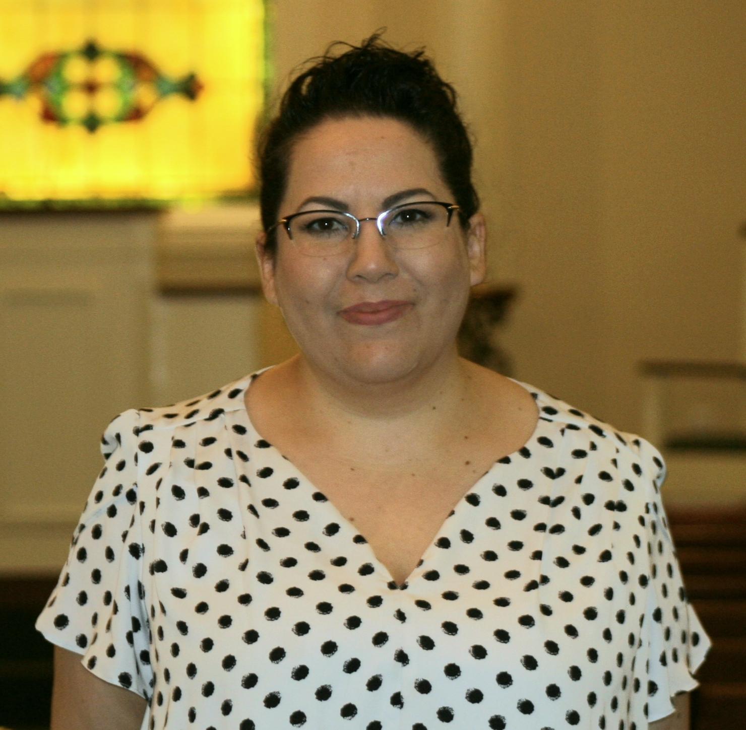 Jenn Manzo : Funeral Director/Embalmer